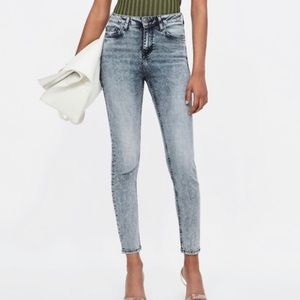 Zara Basic- Acid Wash High Rise Skinny Jeans